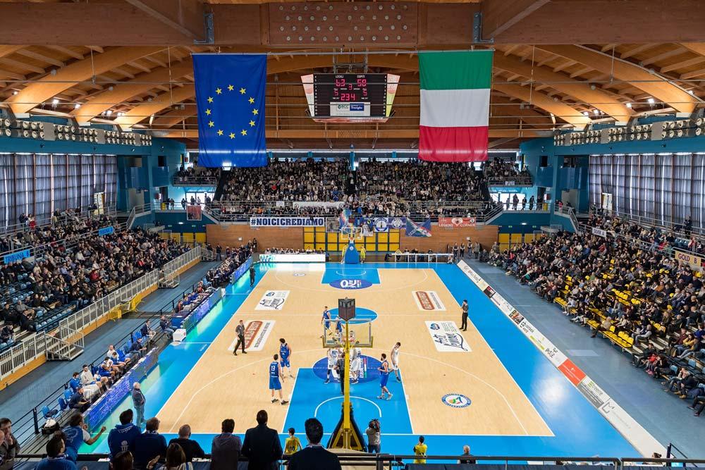 Il Mercato Di Blu Basket, Sponsorizzata Da Nicro